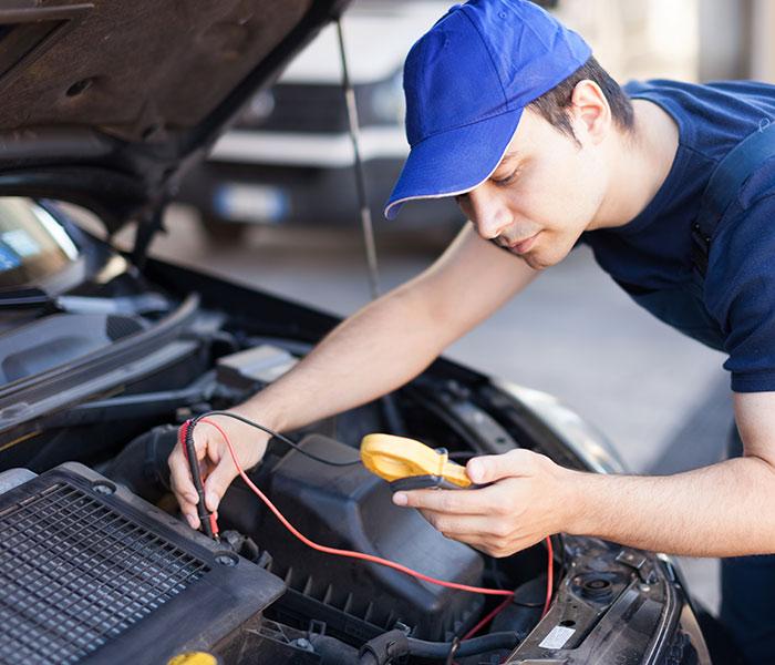 Réparation de voiture à Saint-Aubin-le-Cloud